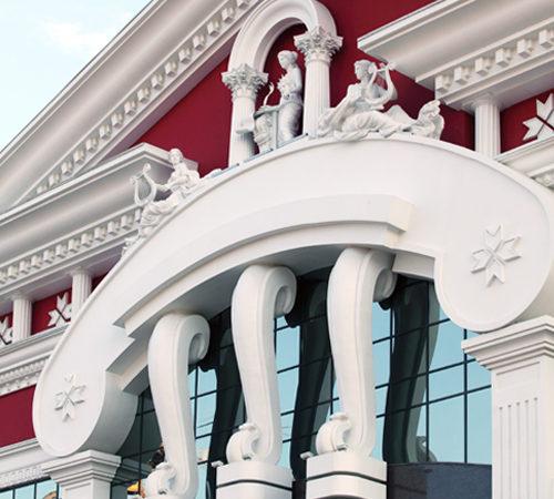 лепной декор для фасада театра