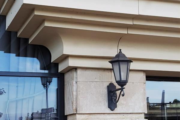 декор из стеклопластика для фасада